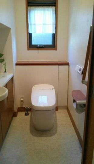 節水に優れたタンクレストイレ