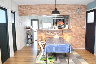 来客に褒められる家、好みのカラーでフルリノベーション