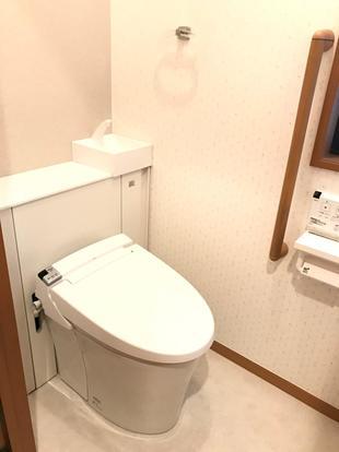収納付き!すっきり、清潔感のあるトイレ