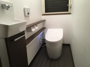 工事期間たったの1日 手洗器付の最新タンクレストイレに!