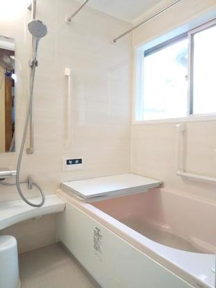 寒かったタイル浴室をお手入れ簡単で温かいシステムバスにしました