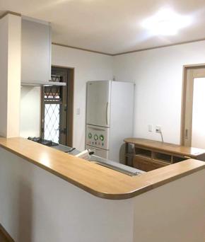 台所を改装し洋室を新設して清潔感あふれるリビングになりました!