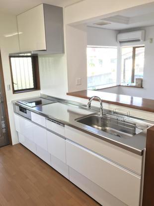 築年数約30年のキッチンを改装しました。