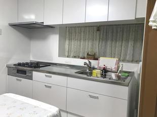 台所と内装を一新しました。