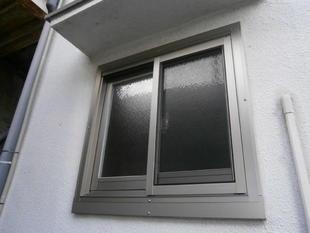 ジャロジー窓を一日で引違い窓に