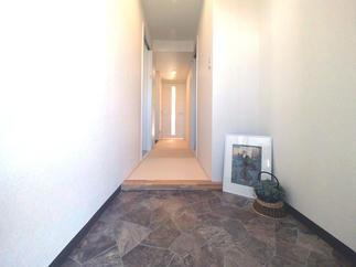リビングにつながる畳廊下