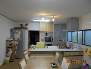 対面キッチンでリビング空間をつくる