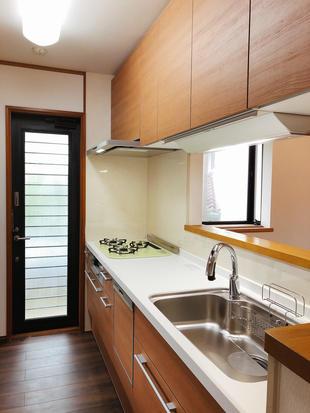 コストパフォーマンスを意識したキッチン改装   奈良市