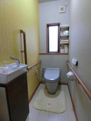 明るいトイレ空間へ~LIXILサティスS~