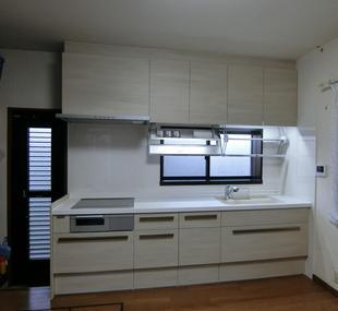 収納量が多く、使い勝手重視のキッチンへ 【LIXIL リシェルSI】