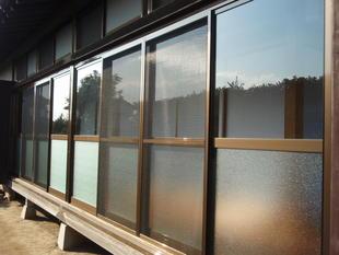 廊下 掃出し窓の交換