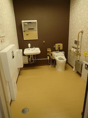 多目的トイレの改修