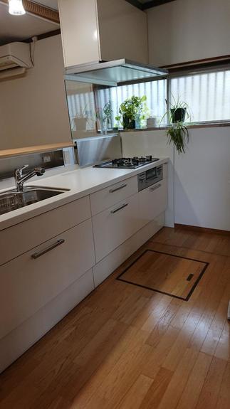 キッチンの向きを変えて、対面キッチンにしました