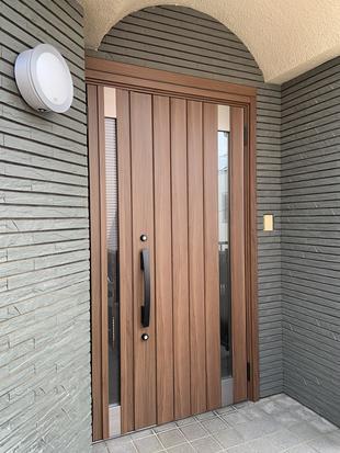 リシェントで玄関ドア交換!断熱性・防犯性など機能性に優れています