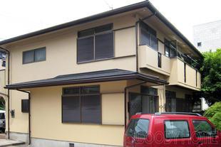 長寿命塗料による外壁塗装と雨音が静かな屋根材の重ね葺き