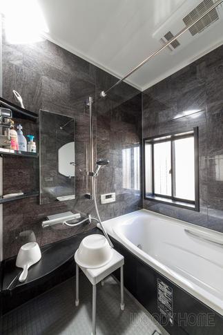 カビに悩んだ浴室は乾燥機がつき汚れにくいユニットバスへ
