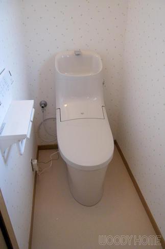 クリーンな清潔感溢れるトイレ