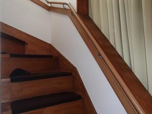 階段手すり取付工事(相模原市・K様邸)