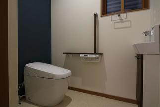 広く使いやすいトイレ