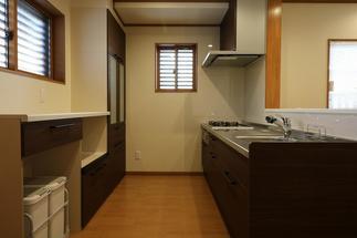 独立した空間から使いやすい対面キッチンへ