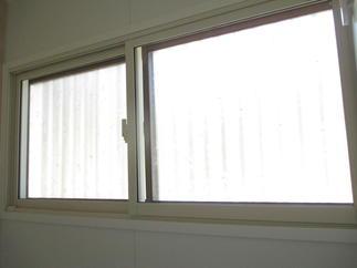 内窓(インプラス)も設置しました。