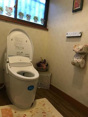 シルエットも機能もコンパクトなトイレ①