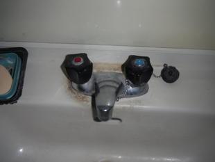 シングルレバー水栓に交換できます。(南アルプス市)