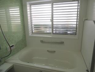 お掃除楽々・暖かい浴室へリフォーム