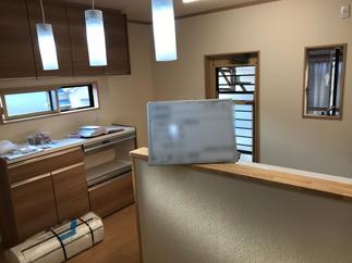 壁付けキッチンから対面式のキッチンへ