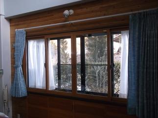 出窓に断熱内窓を設置しました。