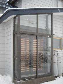 玄関ドア取替、風除室設置工事