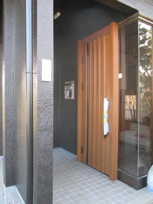 玄関ドア交換工事&外壁塗装リフォーム