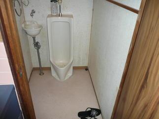 トイレ移設工事 before