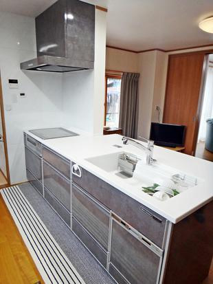 キッチンを対面式のIHにリフォーム