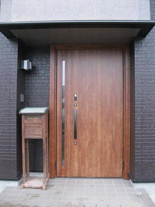 玄関ドア『リシェント』