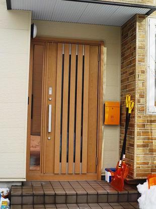 寒かった玄関の悩みを、ドアの交換リフォームで解決!