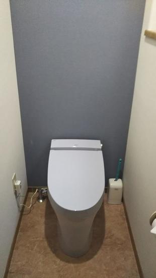 高機能なトイレでお掃除もしやすく水道光熱費も削減!