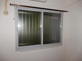 """北側のお部屋の窓は冬場結露がひどかったので今ある窓に""""プラス""""するだけインプラスを1dayで取付けました"""