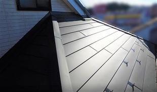 屋根を新たに!金属板屋根の伝統美!