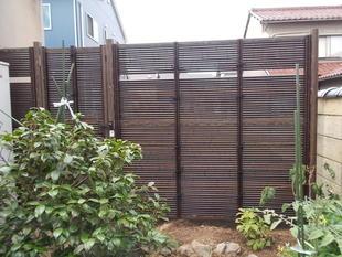 竹垣調フェンス設置工事