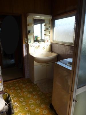 洗面脱衣室Before
