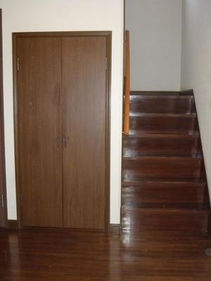 階段下収納 外観