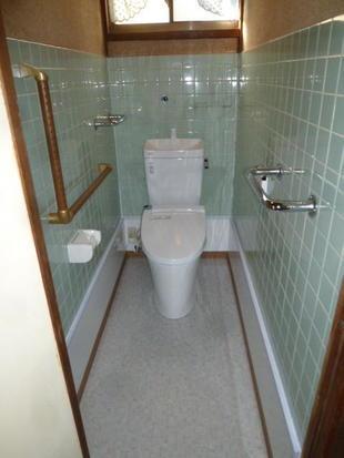 和風兼用トイレを洋風シャワートイレにリフォーム