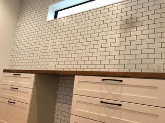 デザインと収納力をあわせたキッチン収納