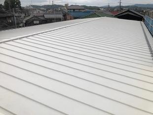 社屋の屋根をリフレッシュ