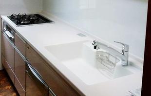 老朽化したキッチンを機能的なシステムキッチンへリフォーム!