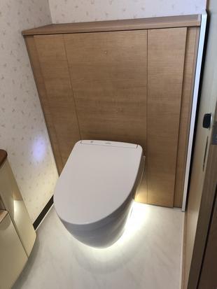 お掃除が楽になる宙に浮いたトイレへリフォーム!