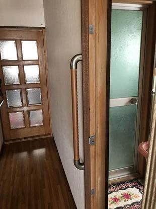 玄関や廊下、トイレに手すり取り付けの介護系リフォーム!