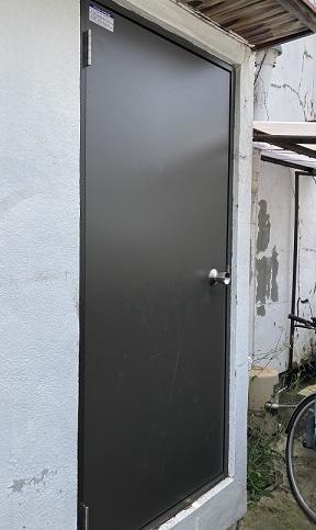 和歌山市 勝手口ドア交換工事