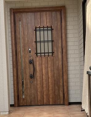 和歌山市 玄関ドア交換・襖貼替リフォーム